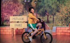 ETİ Çocuk Tiyatrosu'ndan ilk özgün tiyatro oyunu  Mutluluk Denince Akla'yı çocuklar ile buluşturuyor