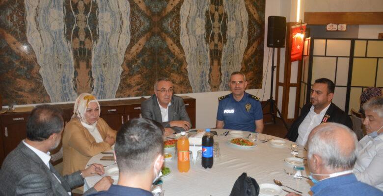 Sancaktepe'de 15 Temmuz Şehit ve Gazileri onuruna yemek düzenlendi